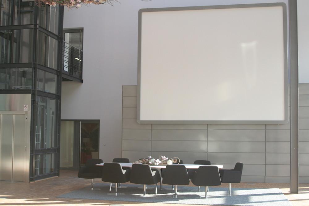 Channel 5 Foyer - Konferenztisch für Meetings mit 10 Personen